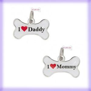 Beauty & Bijoux: le medagliette per cani I Love Mommy_Daddy Id Tag di For Pets Only le trovi da Mon Petit Boutique